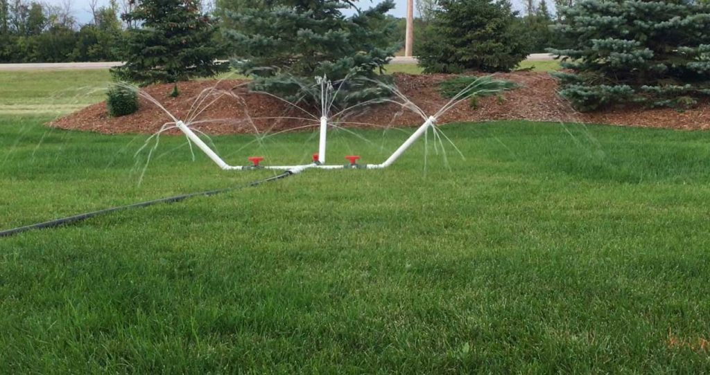 Lawn sprinkler booster pump