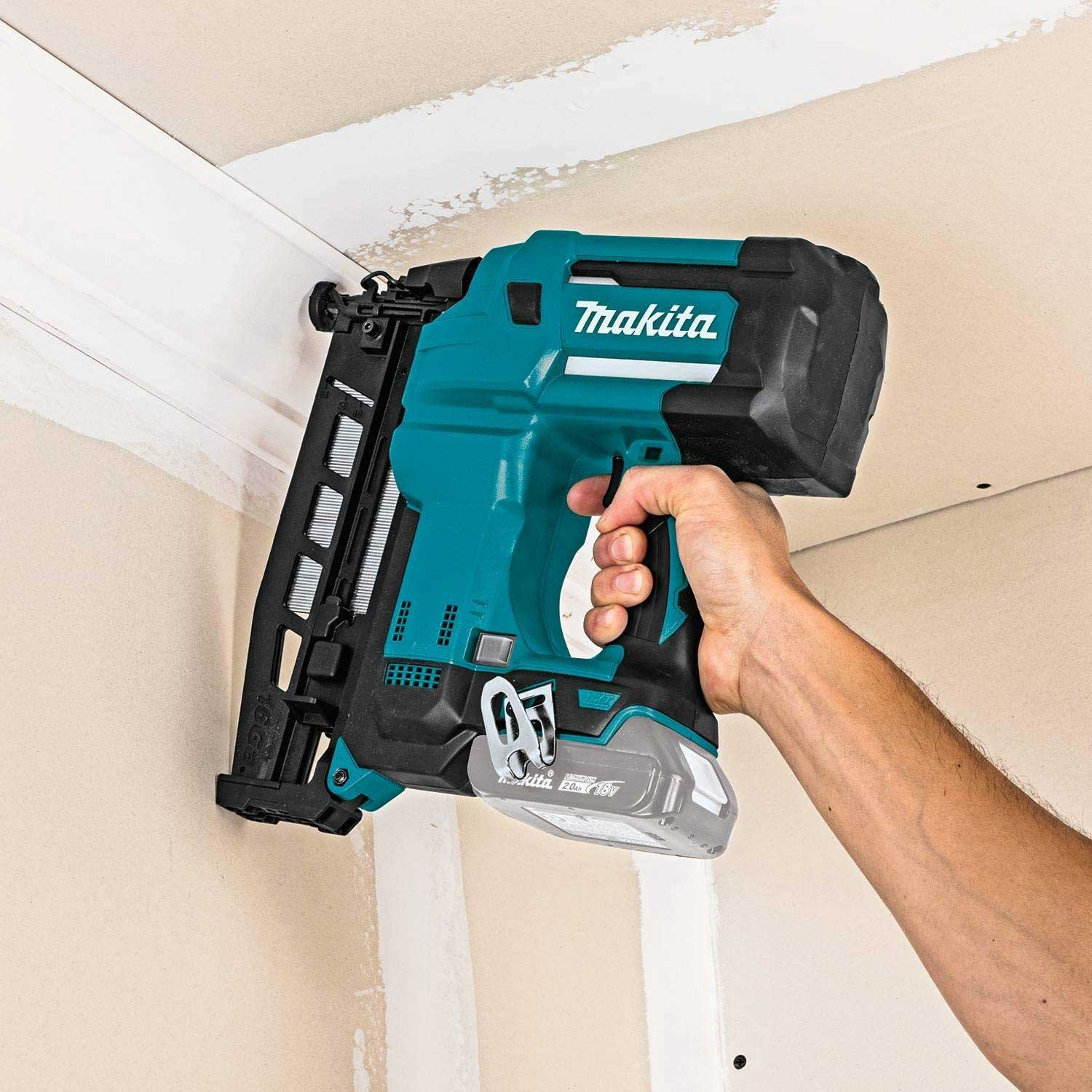 best cordless finish nailer makita
