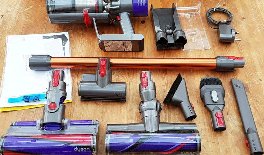 Vacuum cleaner Dyson V10 complectation